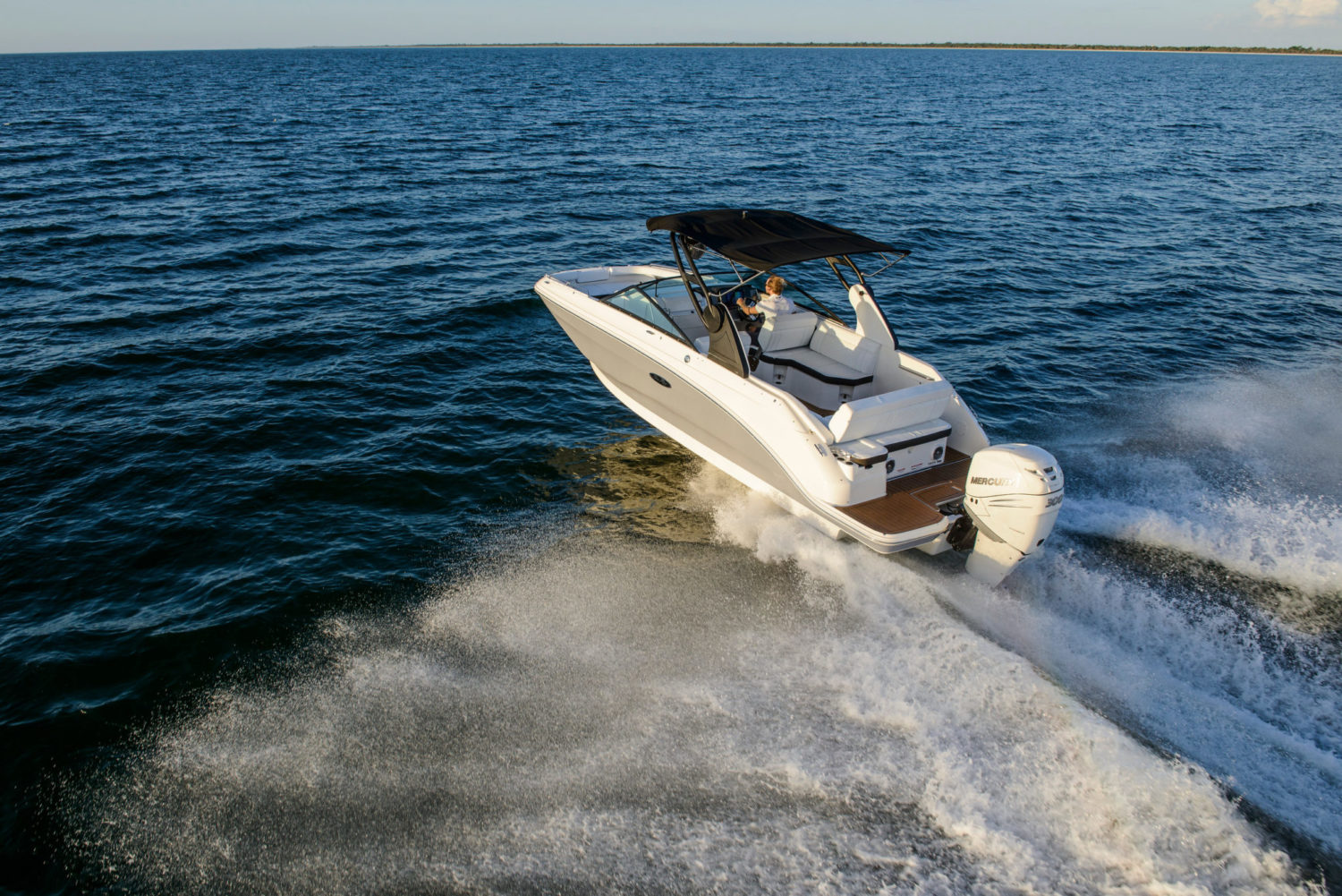 Sea Ray Introduces New SDX 250 and SDX 250 Outboard Models
