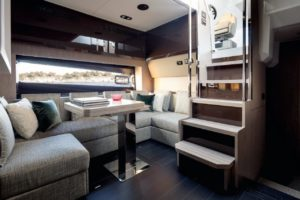 Azimut 51 dinette  - yacht and sea