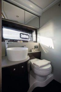 Azimut 51 Master Bathroom  - yacht and sea