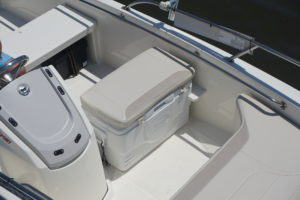 Boston Whaler 130 super Sport - detail 3