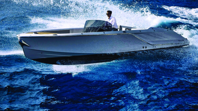 Frauscher 858 Fantom Air - 1 running - yacht and sea
