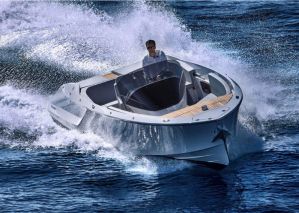 Frauscher 858 Fantom Air - 2 - yacht and sea