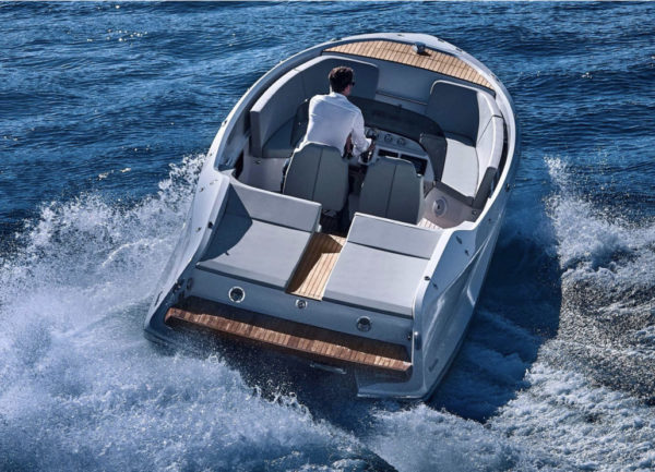 Frauscher 858 Fantom Air - 3 - yacht and sea