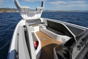 Frauscher 858 Fantom Air interior 1 - yacht and sea