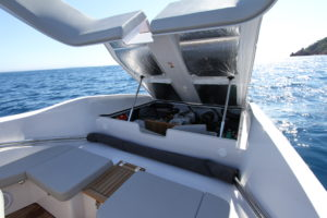 Frauscher 858 Fantom Air interior 2 - yacht and sea