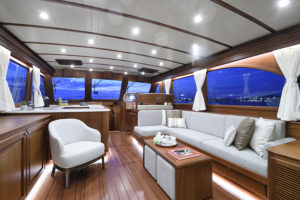 Vicem 65 IPS Classic interior 1 - yacht and sea