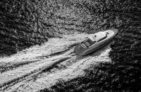 Zeelander Z72 running- yacht and sea