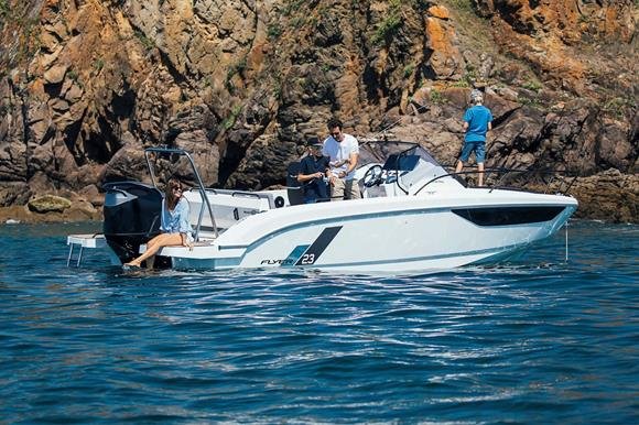 New Beneteau Flyer 23 moore - yacht and sea