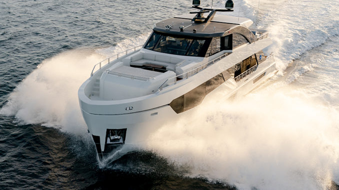 90R Ocean Alexander front - yacht and sea
