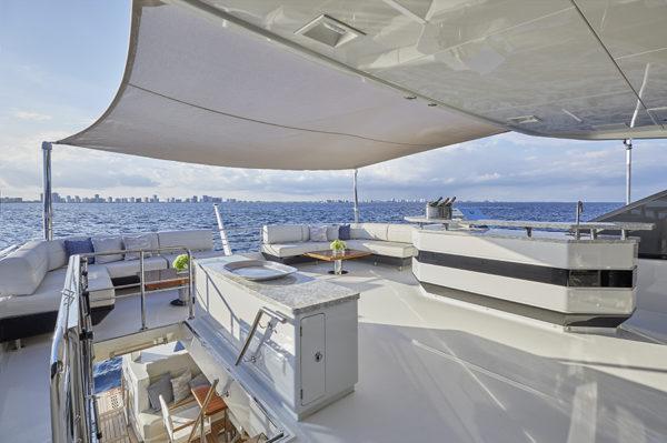 90R Bridge_Lounge_Aft - yacht and sea