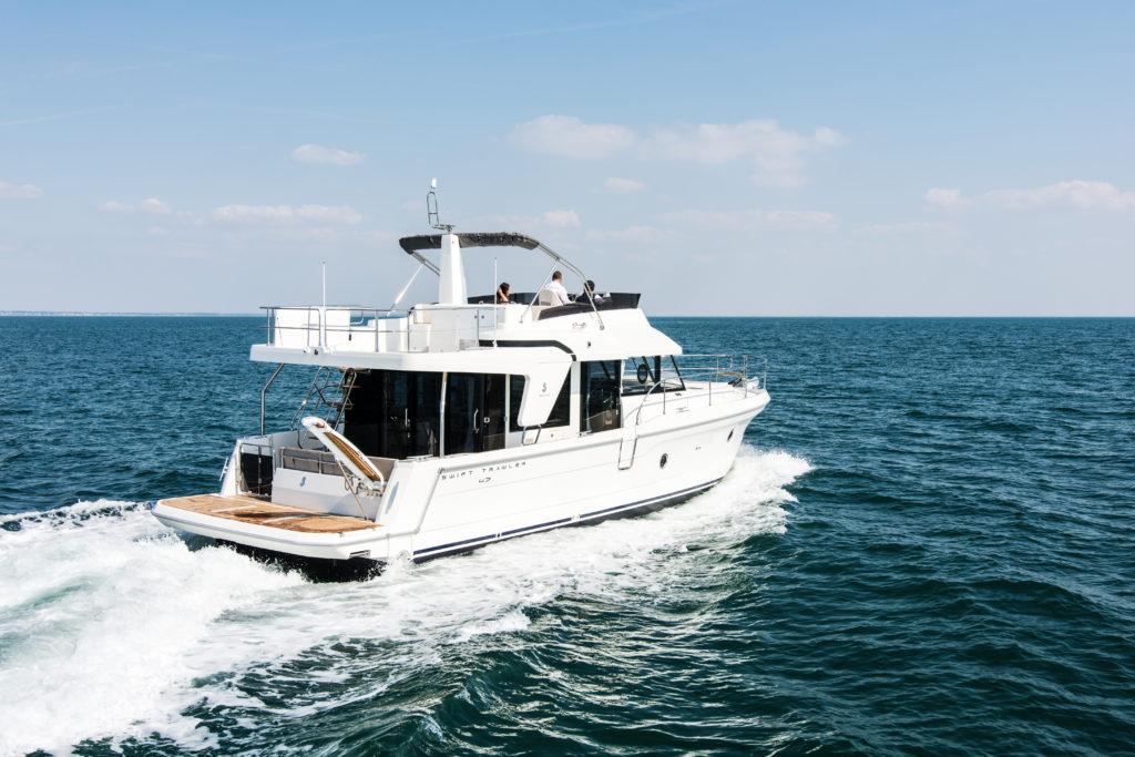 Beneteau Swift Trawler 47 running 2 - yacht and sea