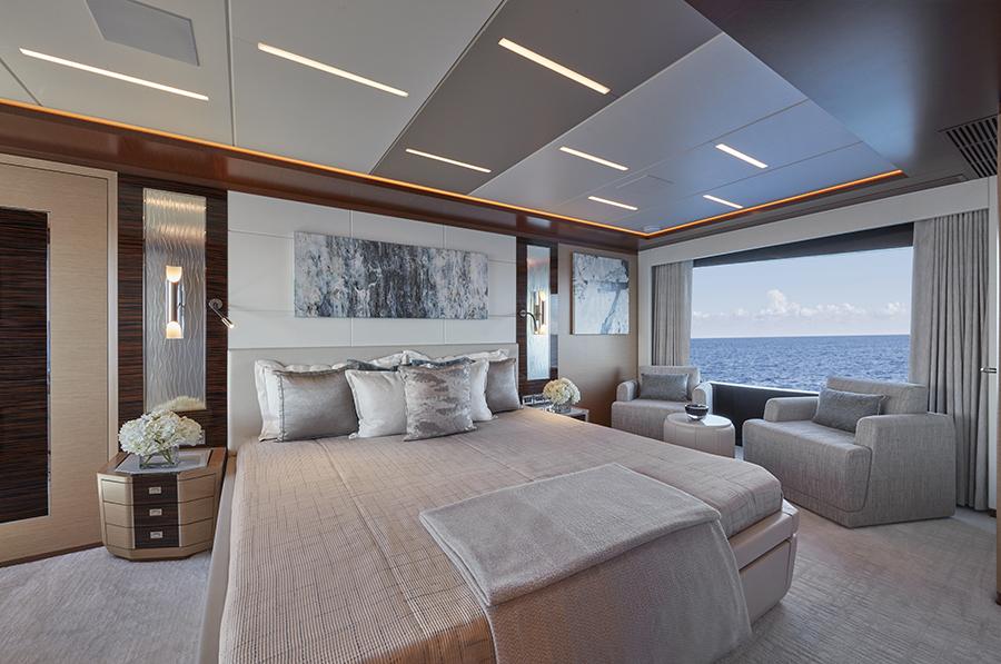 Ocean Alexander 90R bedroom - yacht and sea