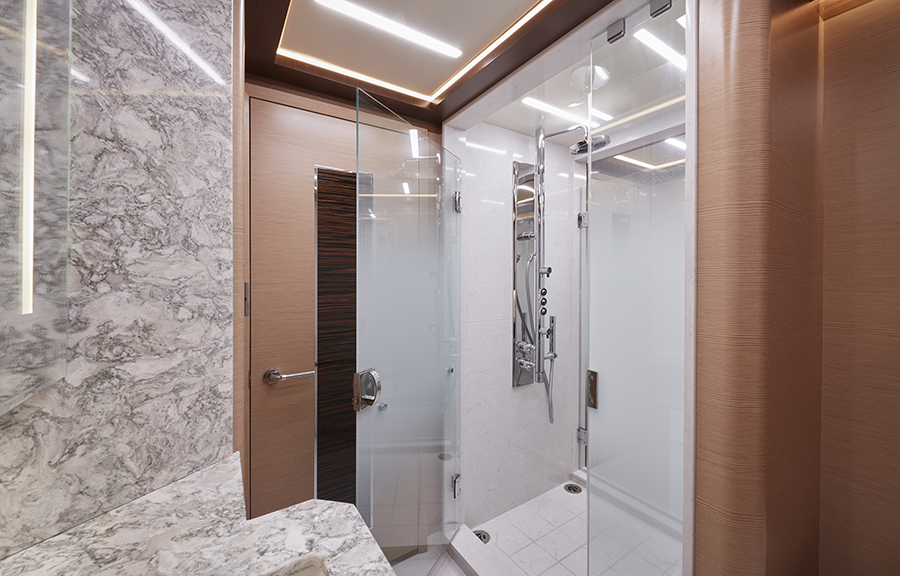 Ocean Alexander 90R master bathroom - yacht and sea