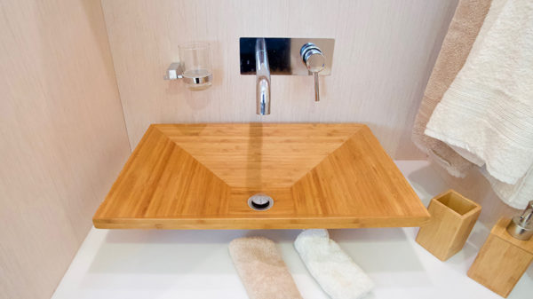 SILENT55_G_MasterBath_Sink - yacht and sea