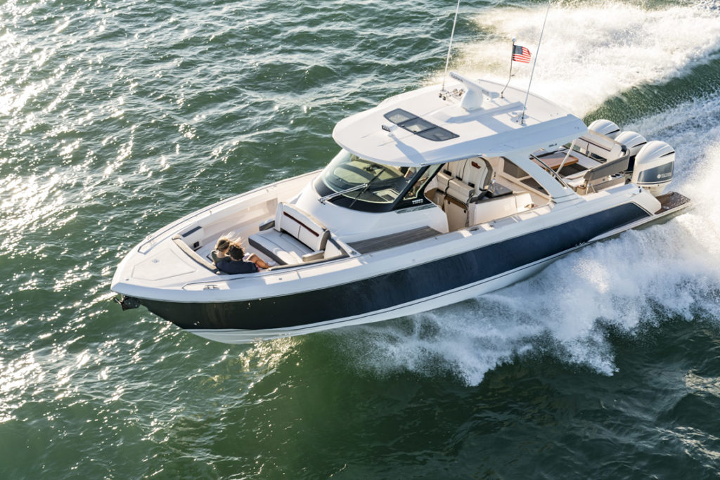 Tiara Sport 38 LS - 2 - yacht and sea
