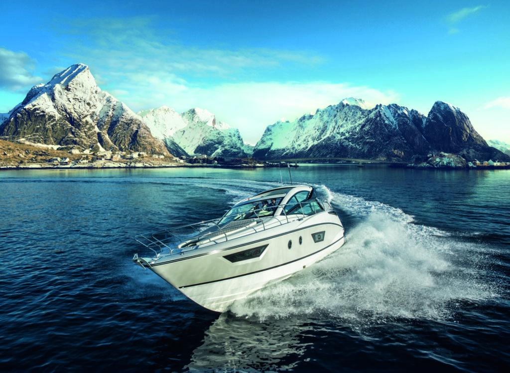 Beneteau GT 50 light - yacht and sea