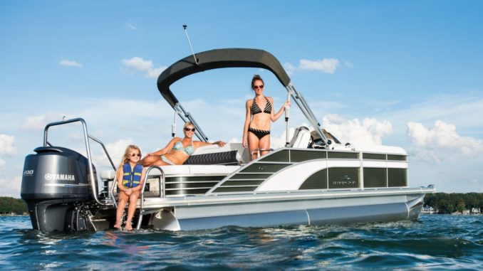 Bennington Marine-yacht-and-sea