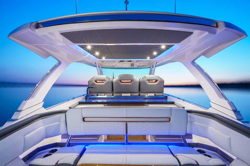 Tiara Sport 38 LS - 4 - yacht and sea