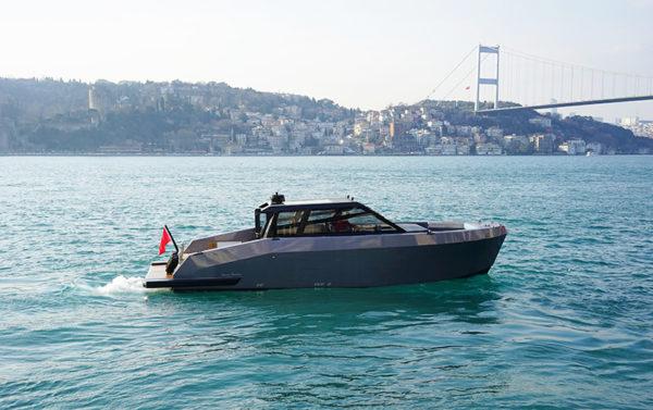 Mazu 42 ST - running - yacht and sea
