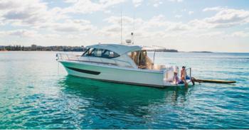 Riviera 395 SUV - 3 - yacht and sea