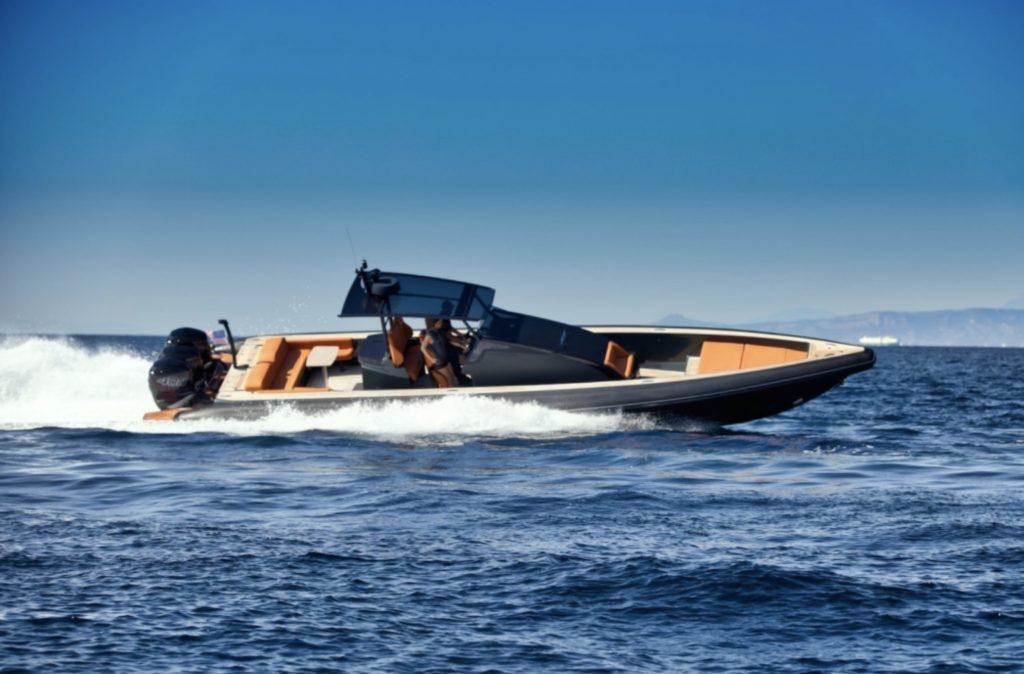 Technohull Omega 45 - yacht and sea