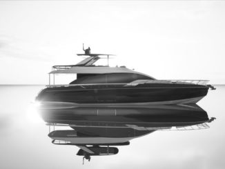 Azimut 78_External_yacht_and_sea