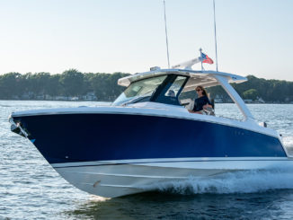 Tiara sport 34 LS - yacht and sea