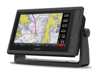 garmin GPSMAP 922xs - front - yacht and sea