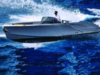 Frauscher 858 Fantom Air - 1 running - yacht and sea