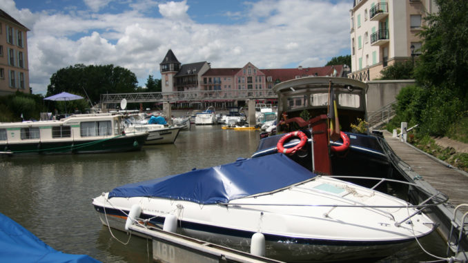 How Mooring your boat - yacht and sea