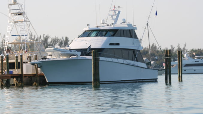 Boat rental in the Bahamas - yacht and sea