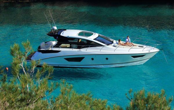 Beneteau Gran Turismo 46 - yacht and sea