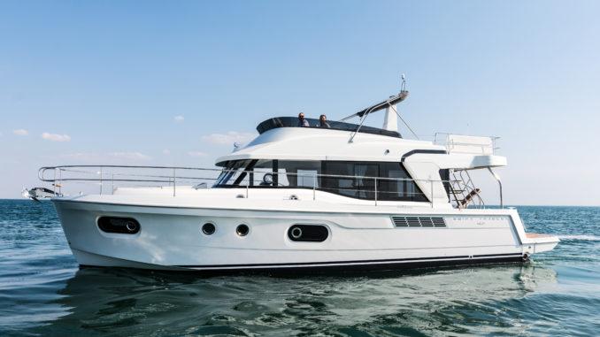 Beneteau Swift Trawler 47 anchor - yacht and sea