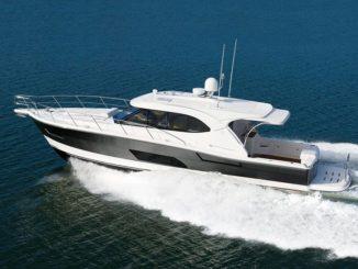 Riviera_445_SUVS_2 - yacht and sea
